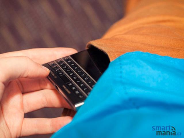 BlackBerry Passport : nouvelles photos