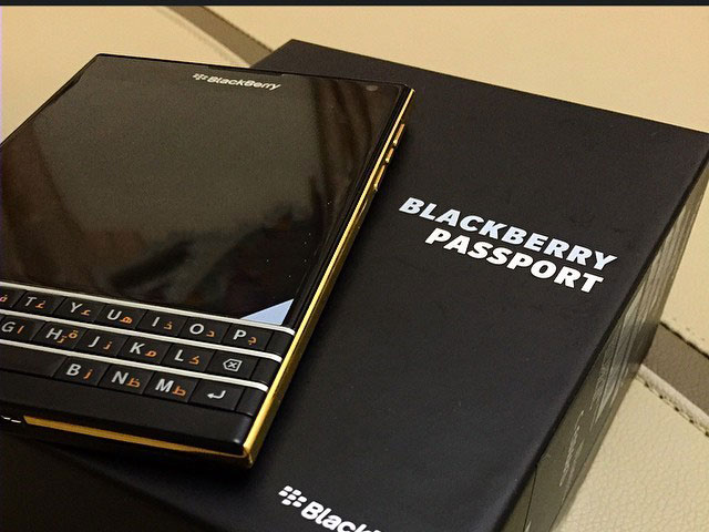 BlackBerry Passport Gold : image 3