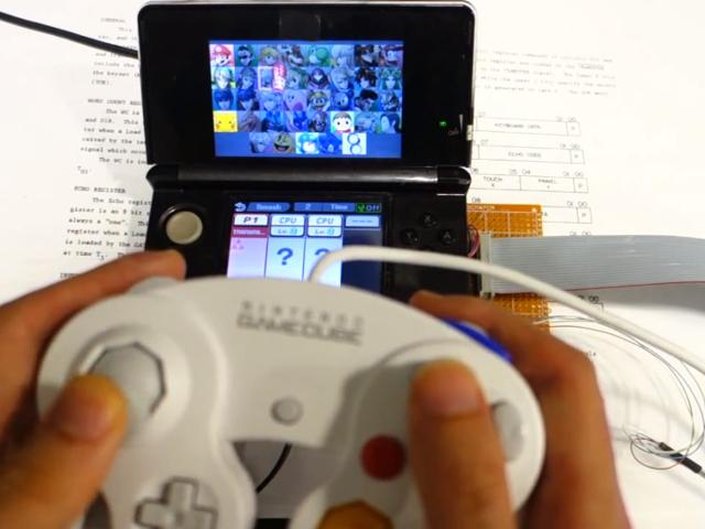 Une manette de GameCube sur la Nintendo 3DS