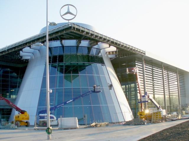 LG va apporter sa technologie aux voitures Mercedes-Benz