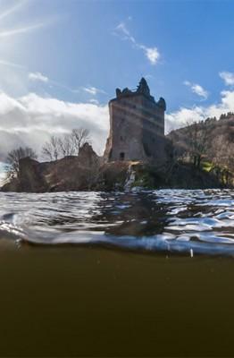 Explorer Loch Ness