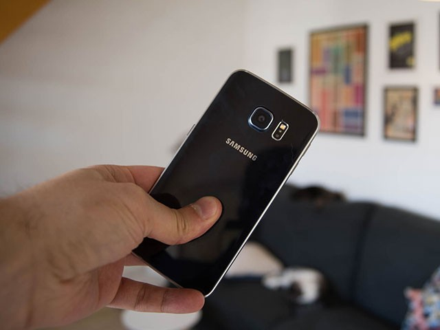 MAJ Galaxy S6