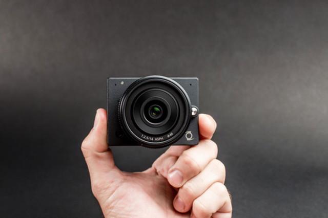 E1 Camera : image 1