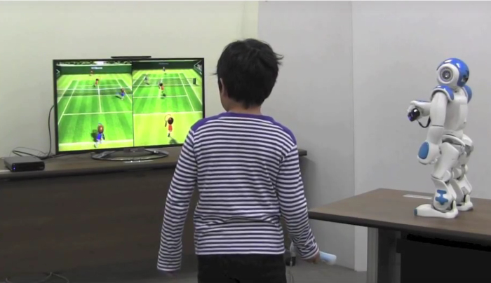 NAO joue à la Wii