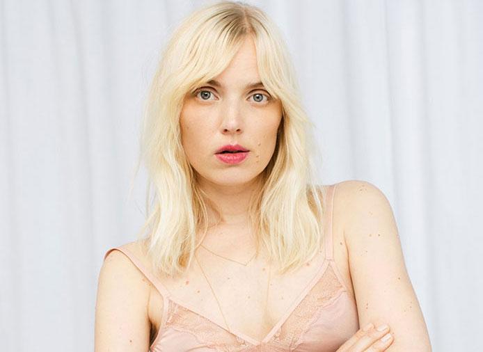 H&M mise sur les poils et les cicatrices pour sa dernière campagne de lingerie