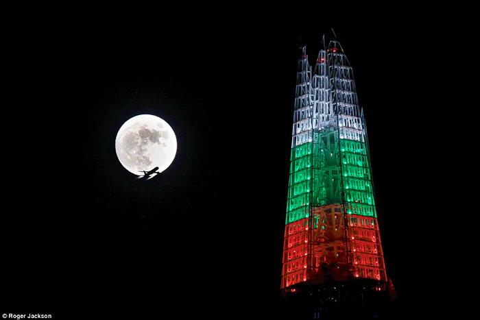 La pleine Lune de Noël se dévoile en photos
