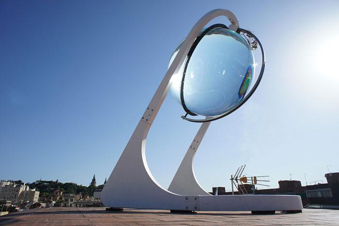 Rawlemon, la sphère solaire qui ridiculise les panneaux photovoltaïques