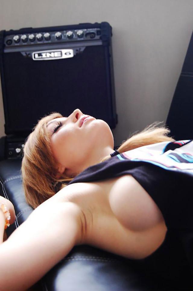 Sideboobs : image 4