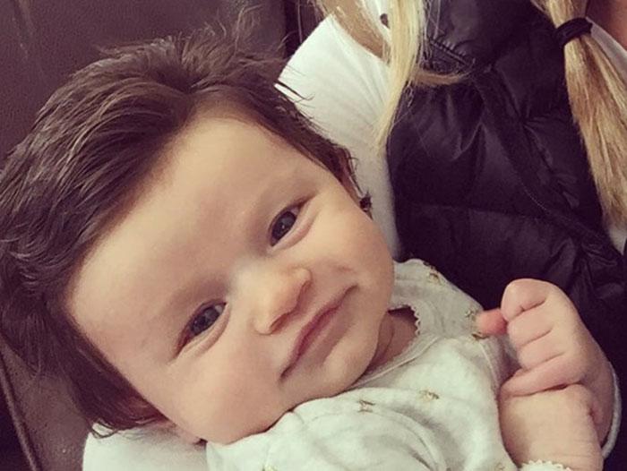 Ce bébé chevelu est la nouvelle coqueluche du web