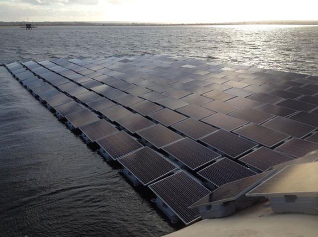 La plus grande centrale solaire flottante se trouve à Londres