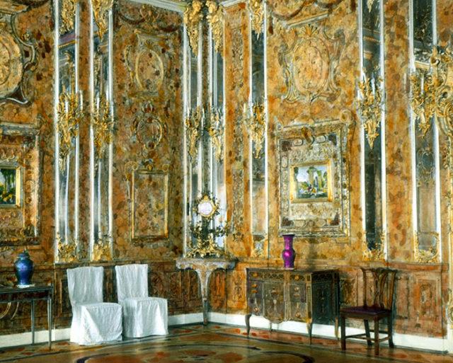 Il pense avoir retrouv la chambre d 39 ambre vol e par les nazis en 1941 - La chambre d ambre photos ...