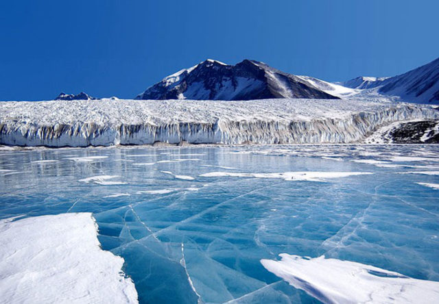 Lac subglaciaire