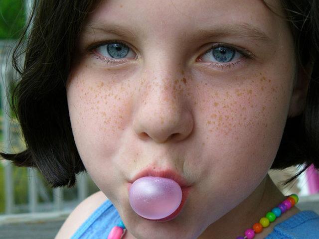 Avaler chewing-gum
