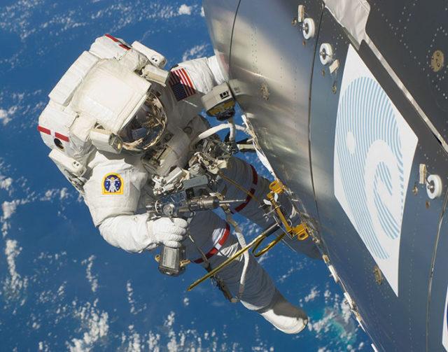 Port attache ISS