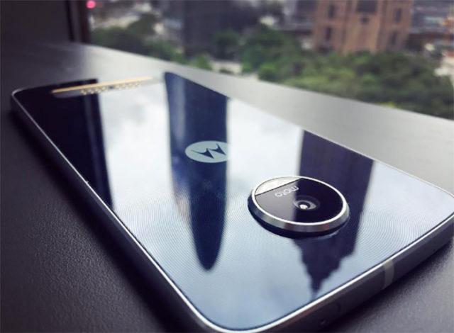 Moto Z Play : image 1