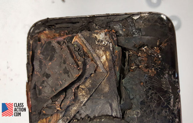 Samsung Galaxy S7 Edge on Fire 2