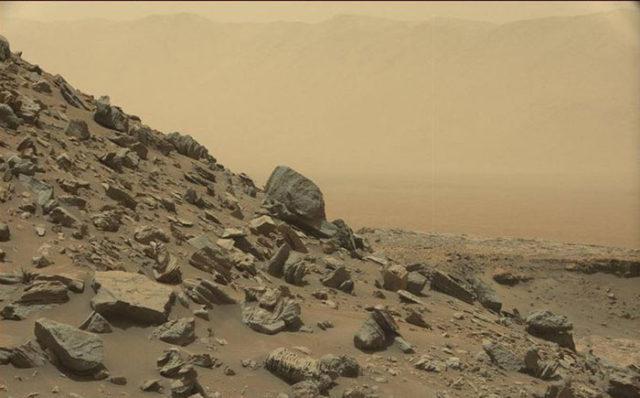 Mars : Curiosity a envoyé de nouvelles photos