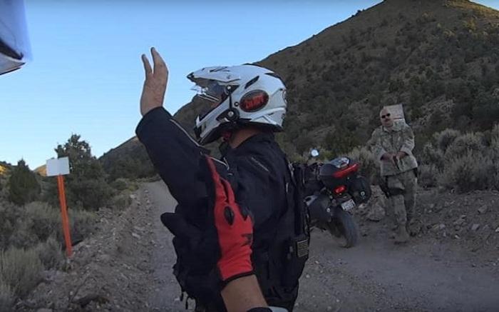 Des motards se sont filmés en train de pénétrer dans la Zone 51