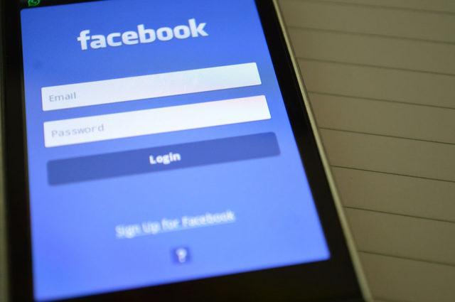 Les utilisateurs de Facebook aux commandes — Safety Check