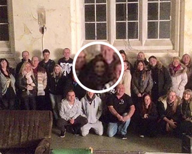 Photobomb Ghost Big