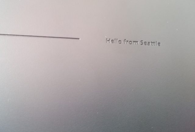 Un petit message de la firme sur le dessous de la machine...