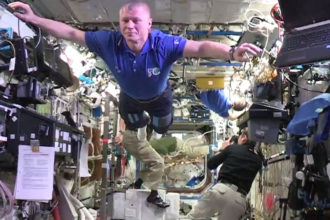 Mannequin Challenge ISS
