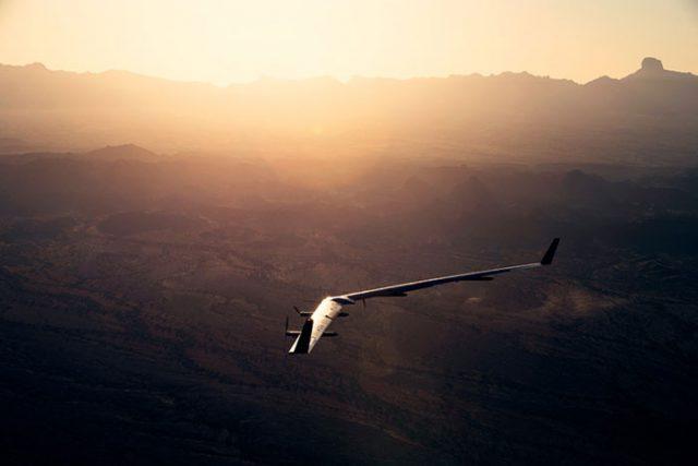 Le drone solaire de Facebook réussit (enfin) son vol — Aquila