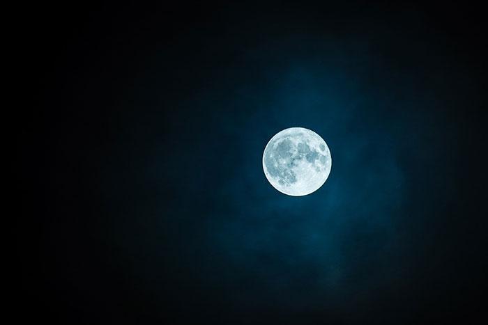 Mais au fait, pourquoi est-ce aussi difficile d'atterrir sur la Lune ?