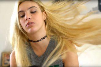 une youtubeuse a fait semblant de donner ses cheveux pour la lutte contre le cancer. Black Bedroom Furniture Sets. Home Design Ideas