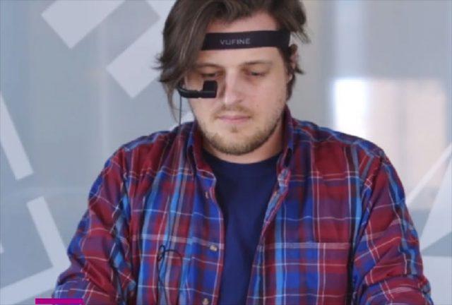 Il a construit ses propres Google Glass avec un Raspberry Pi