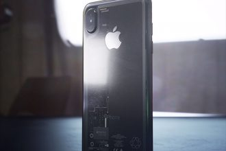iPhone 8 Transparent