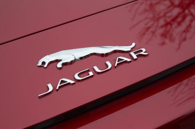jaguar-futur-volant