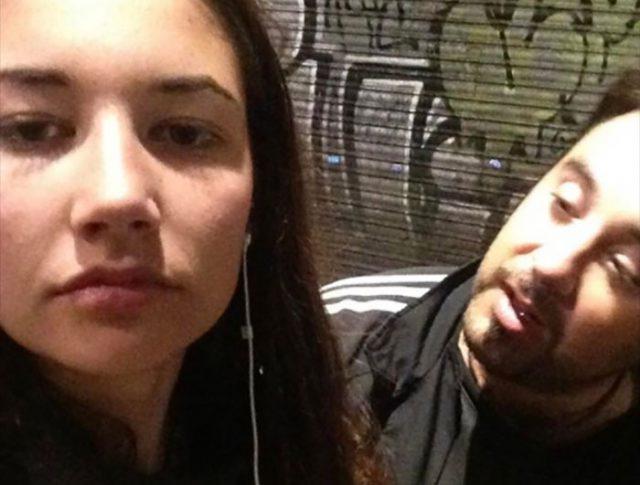 les selfies pour faire face au harc lement de rue. Black Bedroom Furniture Sets. Home Design Ideas