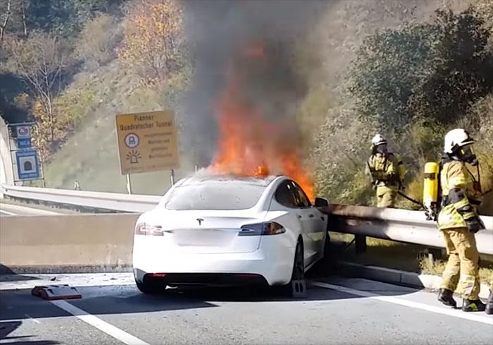 Les batteries lithium-ion posent aussi problème aux pompiers