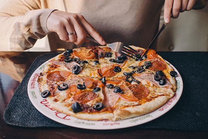 D'après vous, quelle pizza contient le plus... de pizza ?