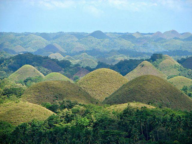 Chocolate Hills, sur l'île deBohol, aux Philippines