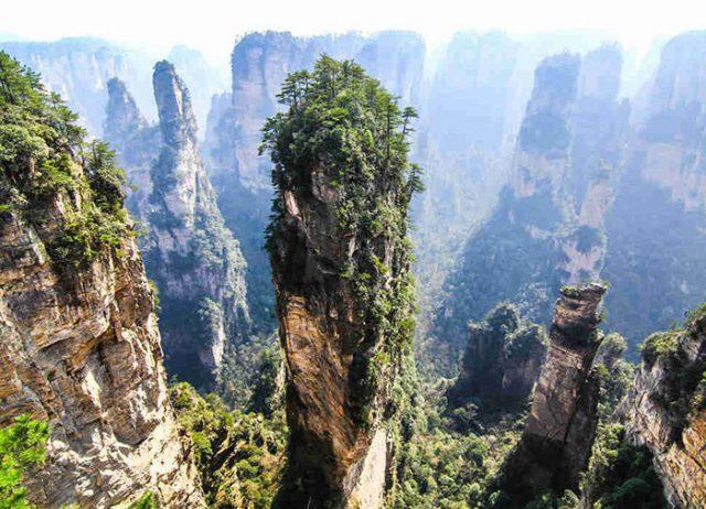 Les monts Tianzi, en Chine