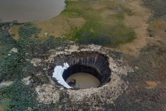 Cratère Péninsule Yamal