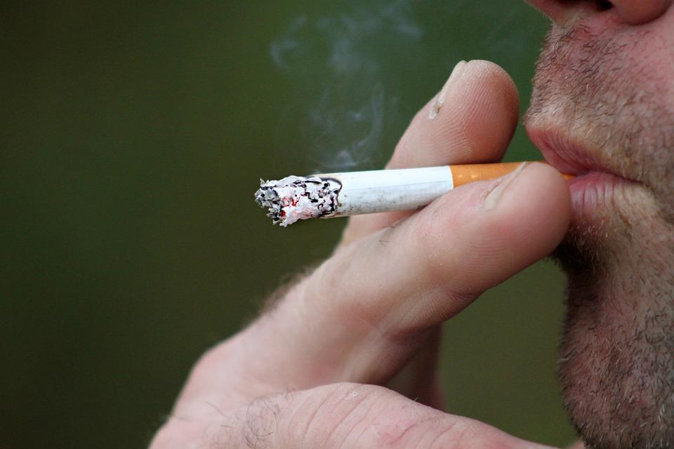 Des chercheurs sont allés jusqu'à faire les poubelles pour analyser le tabagisme des jeunes
