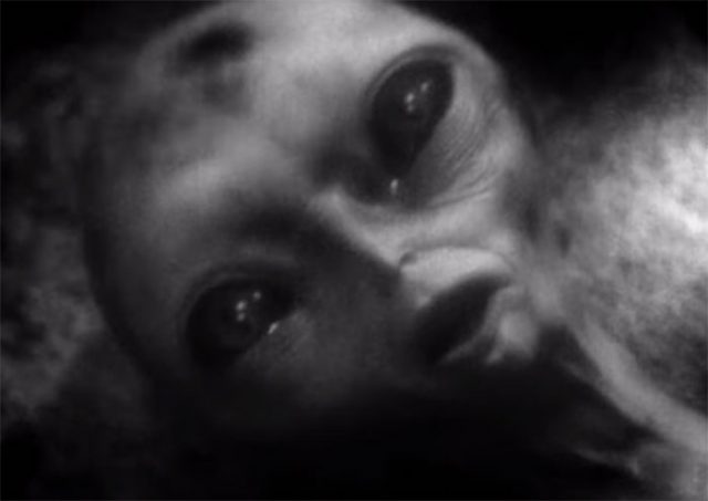 YouTube CGI Alien