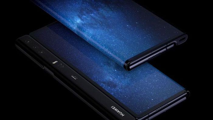 Un internaute déballe l'élégant smartphone pliable Huawei Mate X