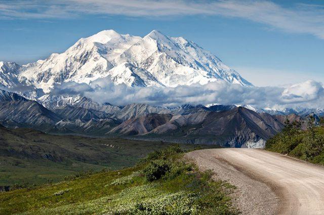 66 tonnes d'excréments d'alpinistes sur le point de dégeler — Alaska