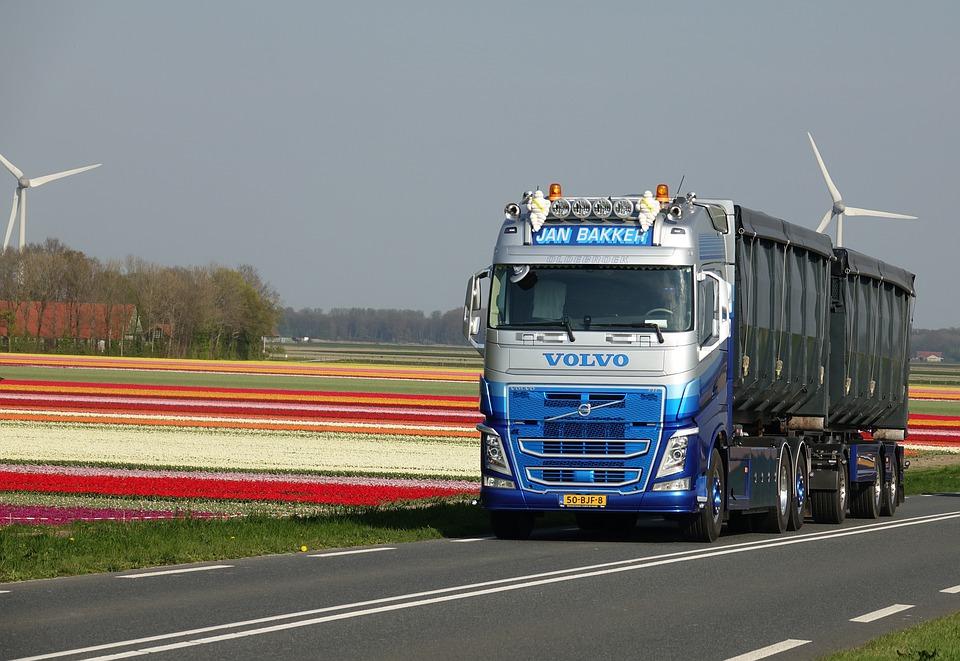Volvo et Nvidia : Un partenariat pour développer des camions commerciaux et industriels autonomes