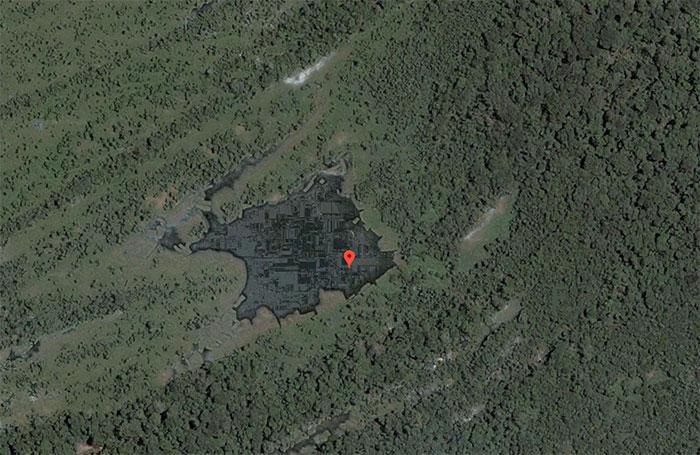 Google Maps a photographié un drôle de truc dans la forêt amazonienne