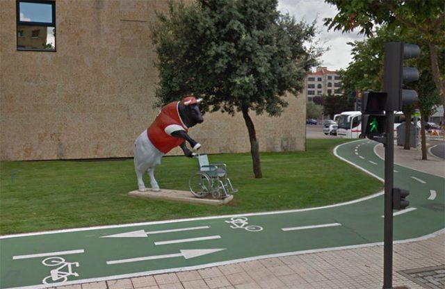 Le taureau et le fauteuil roulant (Espagne)