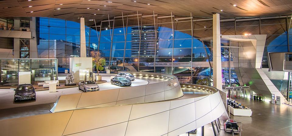 BMW et Tencent s'associent pour ouvrir un centre informatique destiné aux voitures à conduite autonome en Chine