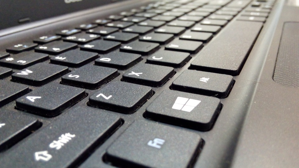 Microsoft a des touches Office et emoji dédiées sur ses nouveaux claviers