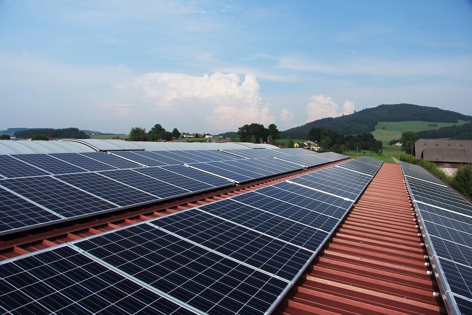 Amazon accuse aussi les panneaux de SolarCity d'avoir provoqué des incendies