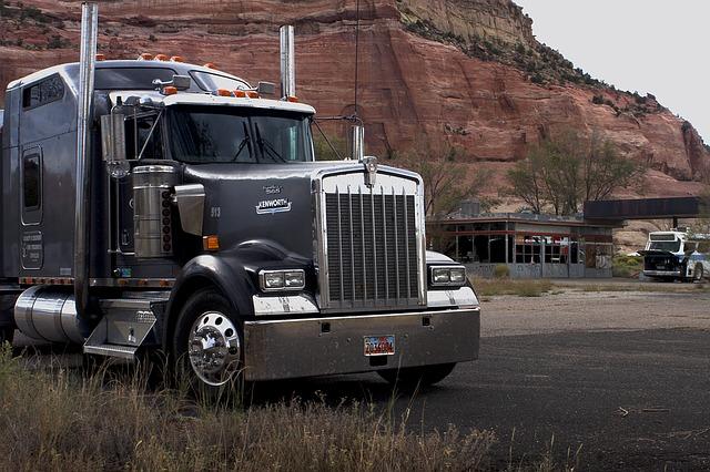 Etats-Unis : Daimler sur le point de livrer son premier semi-remorque électrique Freightliner