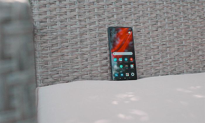 Le Xiaomi Mi 9T Pro tombe à 327 €, et vous avez même le choix de la couleur